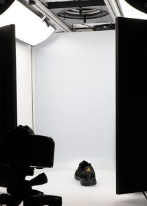 black sport shoe in 360 photography studio 2