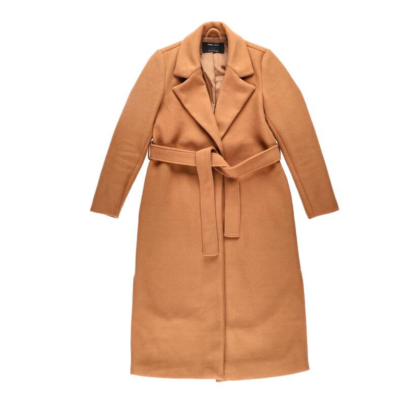 coat flatlay product potography