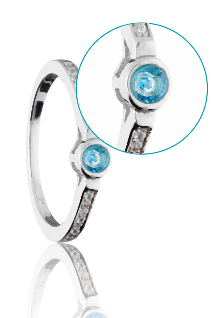 jewelry product image after too much post production