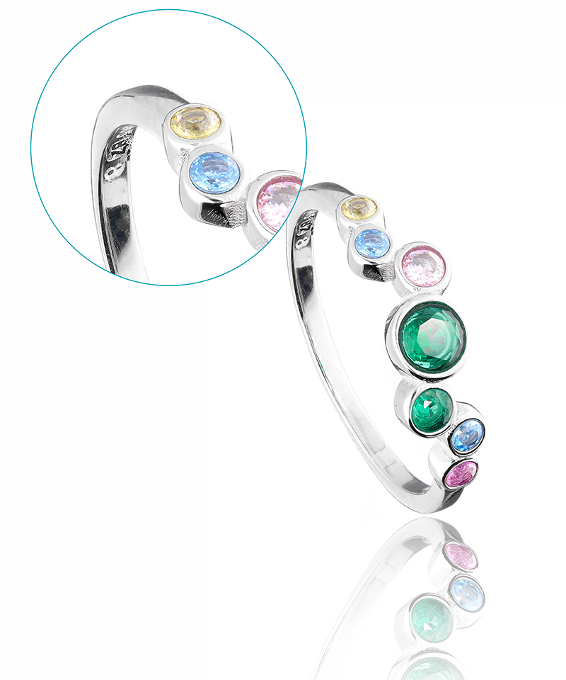 jewelry product image - Natural, no post-processing