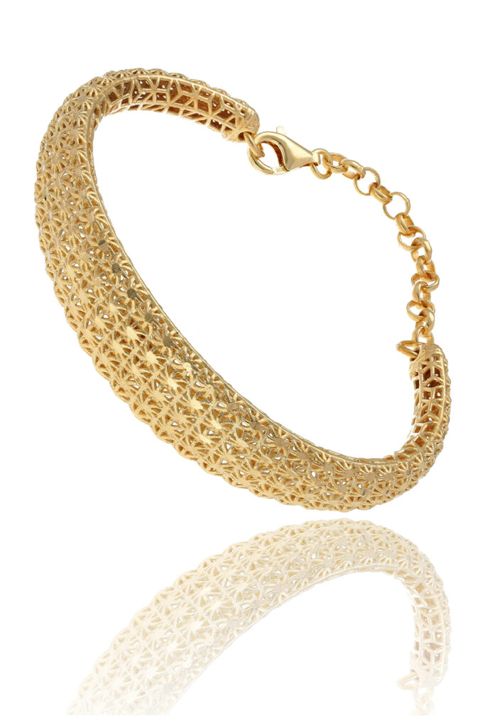 Jewelry product photography - Contrast improved in post-production