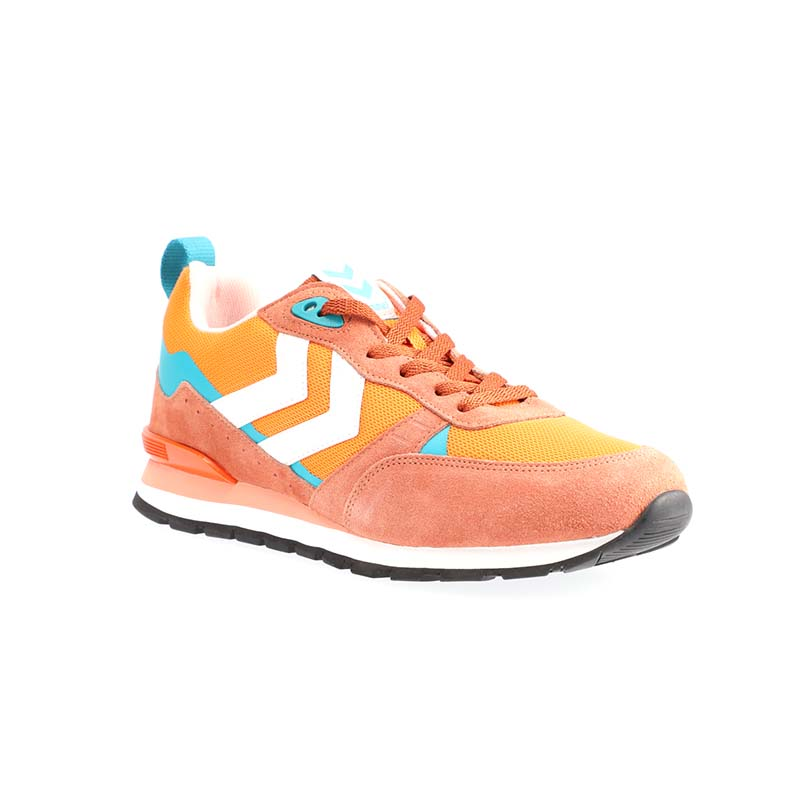 Orange shoe with no background removal & product overexposure