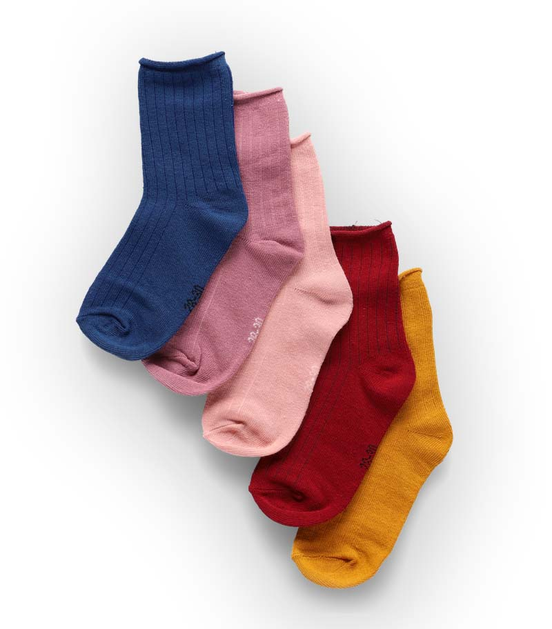 Socks packshot - elegant color and shadow